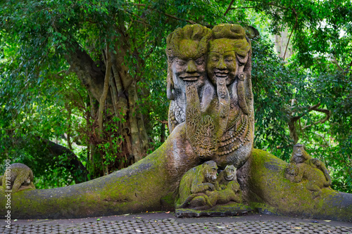 In de dag Bali Sacred Monkey Forest Sanctuary in Ubud. Bali Island, Indonesia