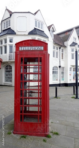 Angleterre great britain Royaume uni Yorkshire Scarborough cabine téléphonique rouge red telephone booth
