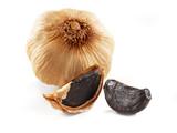 black garlic isolated - 178213798