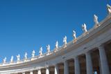 bella veduta sculture piazza san pietro, vaticana roma italia - 178233594