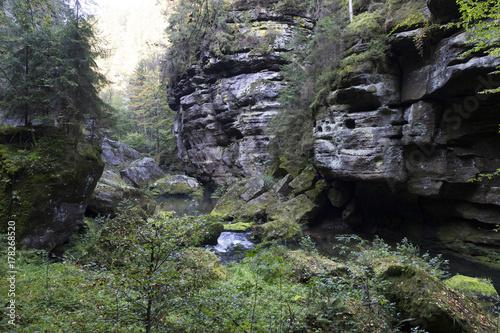 Papiers peints Lavende Wild autumn Landscape around the Creek Kamenice in the Czech Switzerland with Sandstone Boulders, Czech Republic