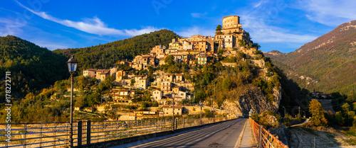 Fotobehang Freesurf Travel in Italy - beautiful medieval village Castel di Tora , Turano lake.