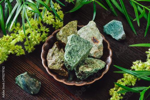 Zielone Szorstkie Kamienie