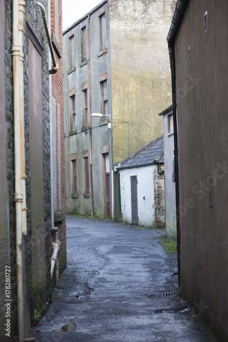Foto op Canvas Smal steegje Another street in Dunbar Scotland