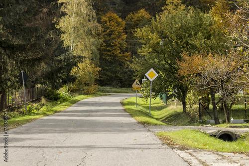 Aluminium Weg in bos Jes17