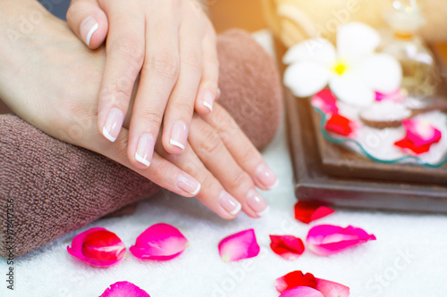 Aluminium Manicure Woman at spa with well manicured nails