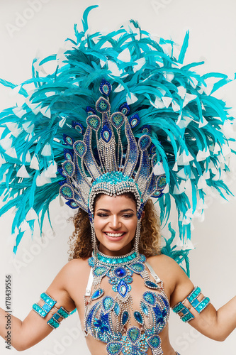 Plakat Samba dancer portrait smiling and wearing traditional costume