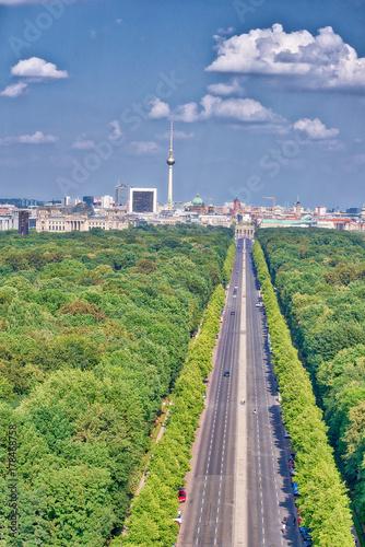 Foto op Plexiglas Berlijn Long road to Berlin, Germany