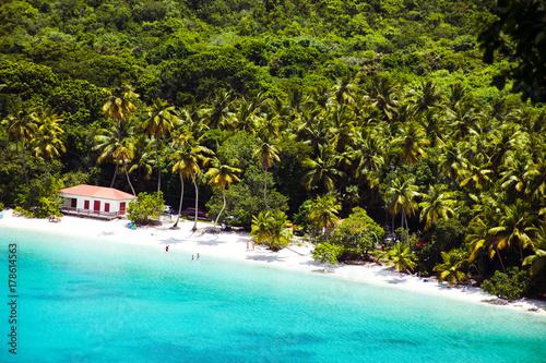 Fotobehang Tropical strand Maho Bay, St. John, USVI