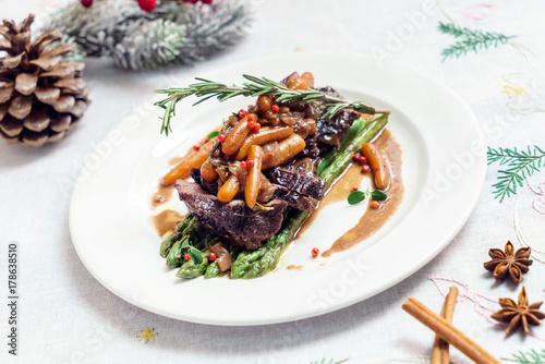 Christmas dinner - 178638510