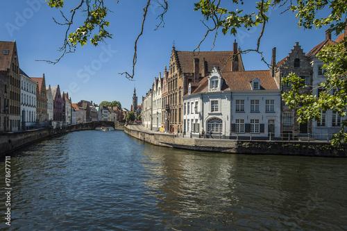 Fotobehang Brugge Brügge - mittelalterliche Stadt in Westflandern, Belgien, Niederlande