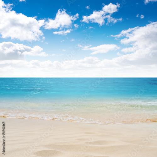 Fotobehang Tropical strand Tropical island summer beach