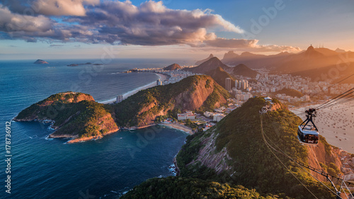 Papiers peints Rio de Janeiro Sunset on Rio from the Sugar Loaf