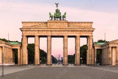 Aluminium Berlijn Brandenburger Tor in early morning light