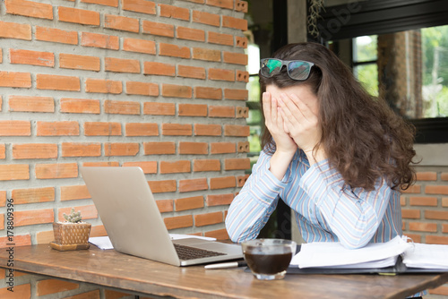 unhappy young woman using her smart phone.young business online marketing concept