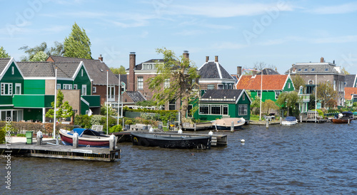Papiers peints Amsterdam Traditional dutch houses in Zaandam, Netherlands