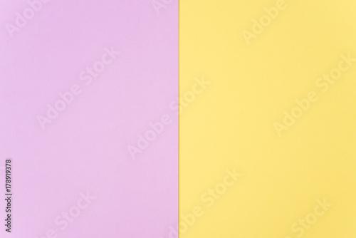 Płaskie leżał, papierowe pastelowe kolory na tle tekstury.