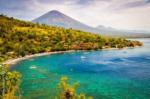 Papiers peints Bali Agung Volcano seen from Amed, in East Bali.