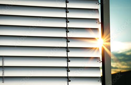 Leinwanddruck Bild Außenjalousie Jalousie Lamellen mit Sonnenstrahlen – Closed Shutter with Sunrays