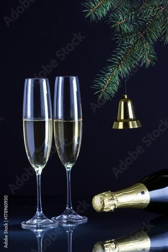 Шампанское для встречи Нового Года. Poster