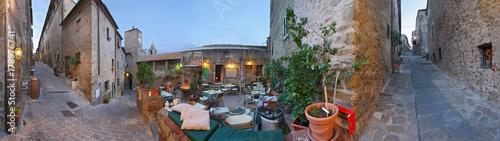 Deurstickers Toscane Castiglione della Pescaia, vicoli all'interno delle mura a 360°