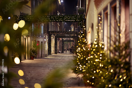 Fotobehang Milan Milano - Via della Spiga by nighy: Christmas shopping