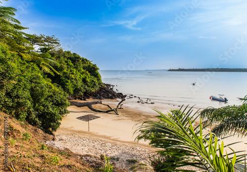 Afryka Zachodnia Gwinea Bissau Wyspy Bijagos - zatoka Paradise ze złotym piaskiem
