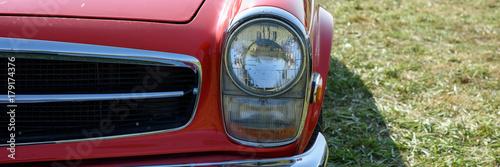 Front eines schönen alten Autos mit Chrom Poster