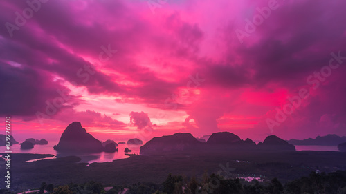 Papiers peints Rose banbon Landscape of sunrise at limestone karsts in Phang-nga bay at sunrise. Unseen place of