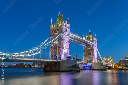 Fotobehang Londen Tower Bridge in London Blue Hour, UK