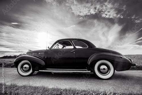 klasyczny-samochod-cadillac-lasalle-coupe