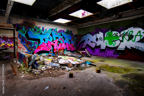 Foto op Plexiglas Graffiti Lost Places