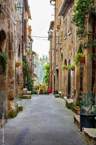 Fotobehang Smalle straatjes Streets of Pitigliano. Tuscany, Italy.