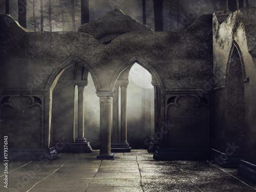 Ruiny świątyni w ciemnym lesie nocą