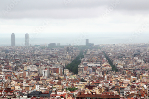 Fotobehang Barcelona A panoramic view of Barcelona from Guell Park