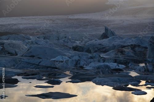 Papiers peints Bleu nuit glacier lagoon