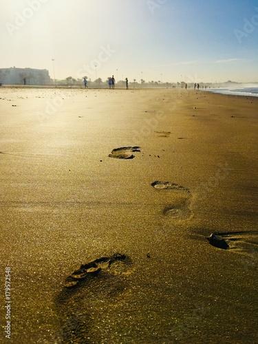 Aluminium Marokko Footprints on the gold sand in morocco