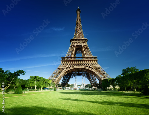 Foto op Canvas Eiffeltoren Eiffel tower in Paris, France