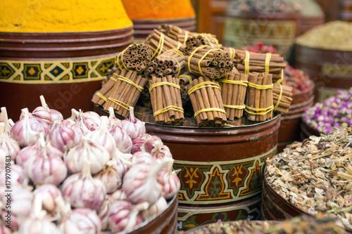 Aluminium Marokko Spice stall Marrakech Medina, Morocco