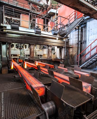 Foto op Canvas Kip Steel is increasingly being produced in integrated steelworks