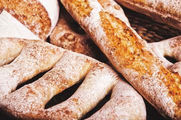 хлеб в корзинке