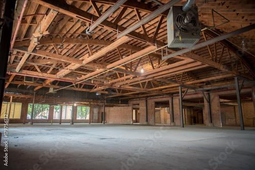 Plexiglas Oude verlaten gebouwen Industrial building