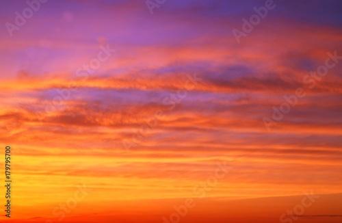 In de dag Oranje eclat 美しきスジ雲 背景イメージ