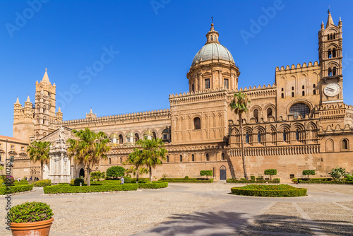 Fotobehang Palermo Palermo, Sicily, Italy. The main facade of the Cathedral (Cattedrale di Vergine Assunta), the list of world cultural heritage of UNESCO