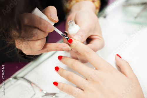 Fotobehang Manicure nail paintings service