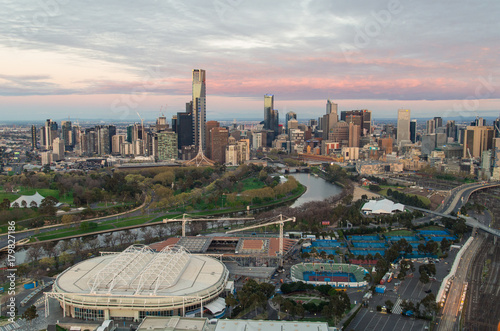 Poster Oceanië Melbourne CBD and the Melbourne Park tennis centre in the foreground.
