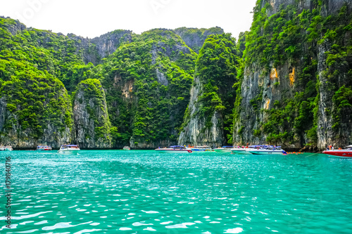 Fotobehang Tropical strand The beach of Paradise and Tropical landscape. Phi Phi leh Beach, Thailand.