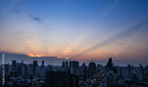 Fotobehang New York urban cityscape in twilight time and sunset light