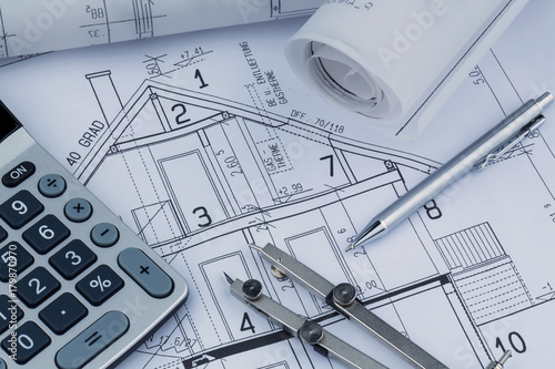 Leinwanddruck Bild house plan with calculator