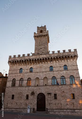Deurstickers Toscane Palazzo publico toscan